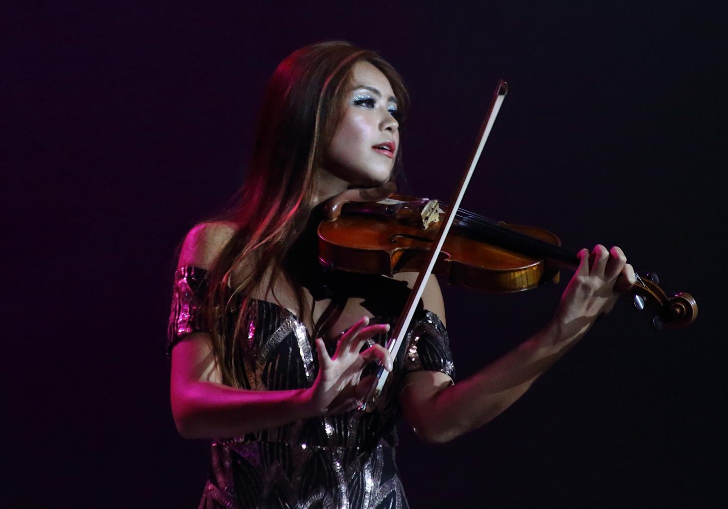 venus usai chinese violinist